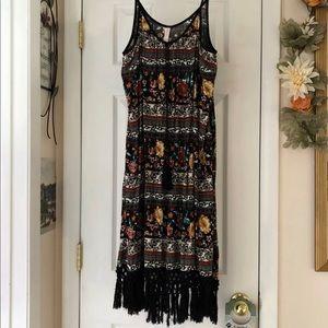 NWOT XL xhilarations sleeveless dress with fringe